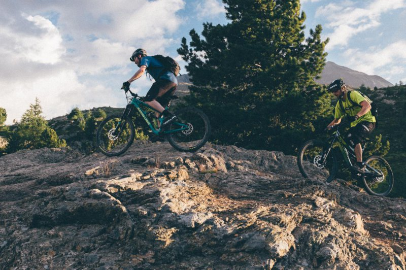 Enduro mountain bikers in the Val Suvretta